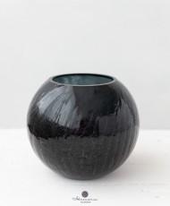 Moderni apvali, juoda vaza