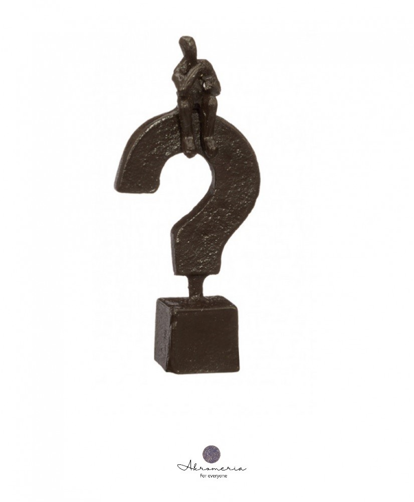 """Skulptūra namams """"Thinking"""""""